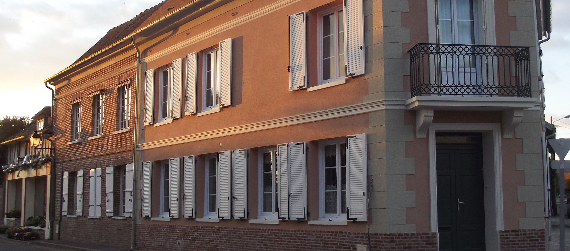 PROTECFACADE_RAVALEMENT_RENOVATION_ISOLATION_FACADE_NORMANDIE_EURE_CONTACT_LOUVIERS
