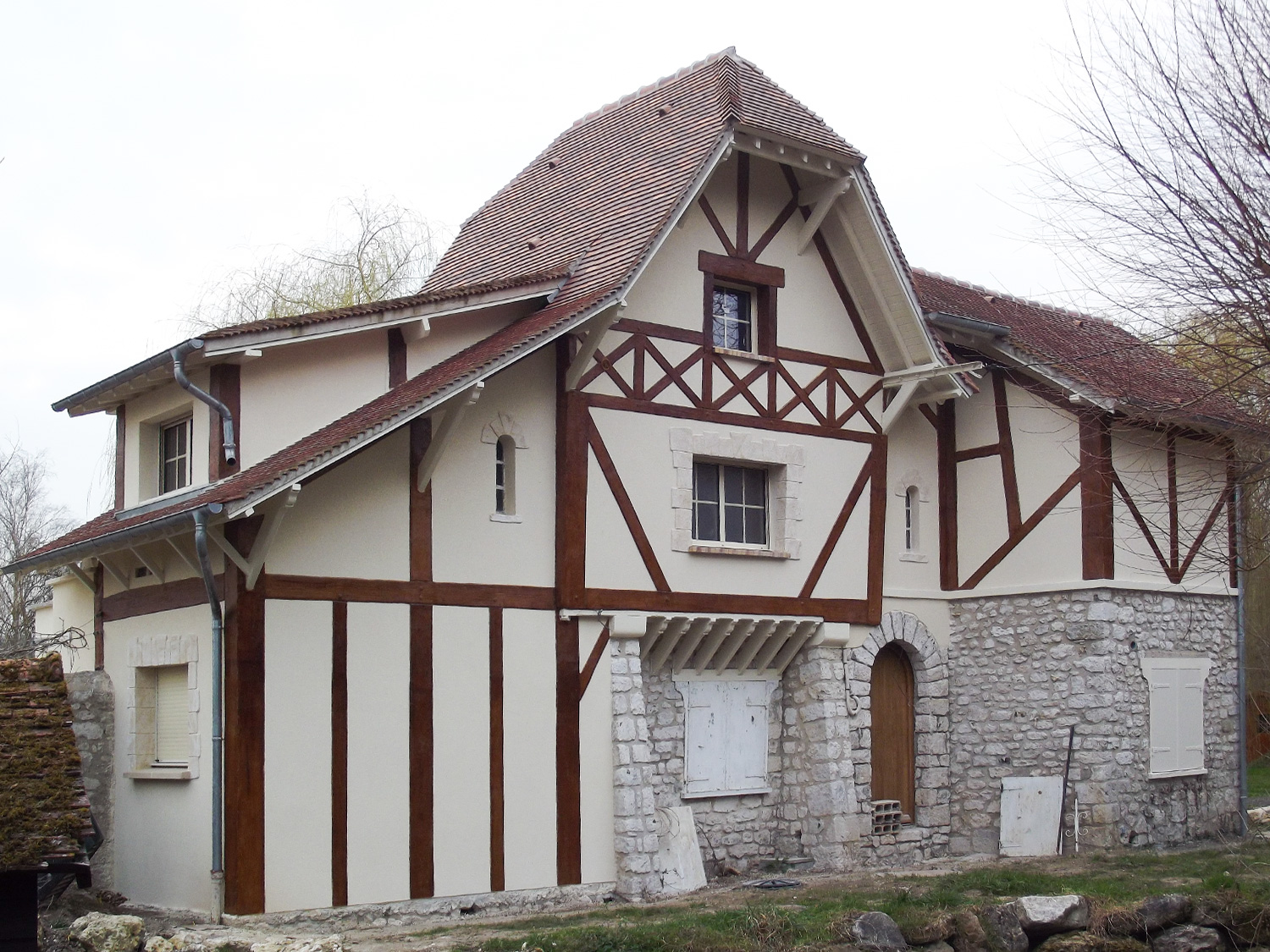 PROTECFACADE_RAVALEMENT_RENOVATION_ISOLATION_FACADE_NORMANDIE_EVREUX_DECORS_FACADE_ENDUIT