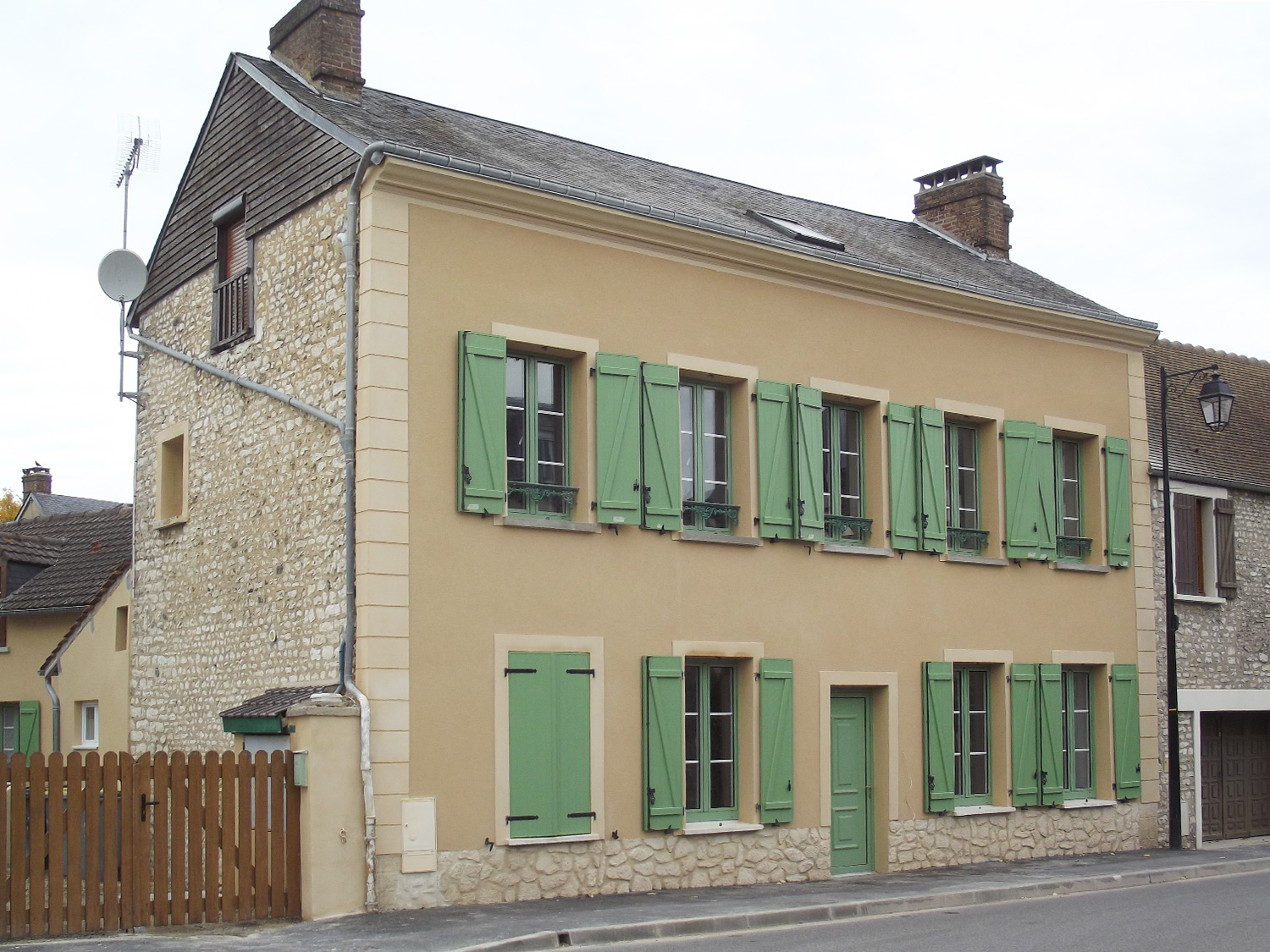 PROTECFACADE_RAVALEMENT_RENOVATION_ISOLATION_FACADE_NORMANDIE_LOUVIERS_ENDUIT_MUR_PIERRE_ANCIEN