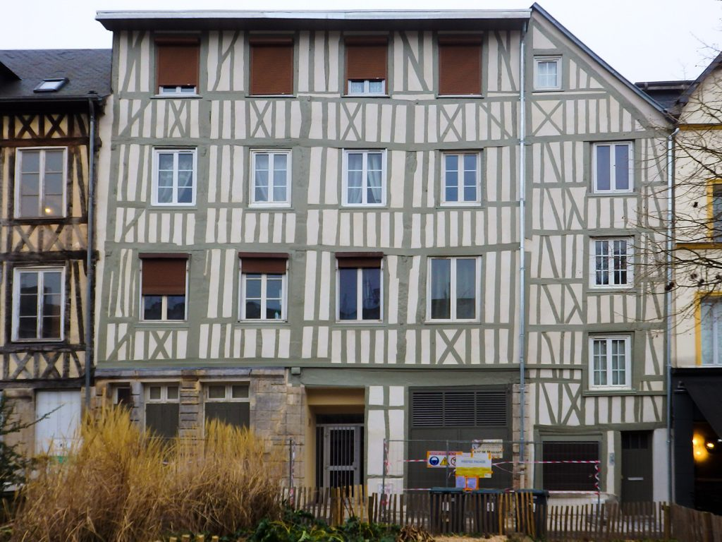 PROTECFACADE_RAVALEMENT_RENOVATION_ISOLATION_FACADE_NORMANDIE_RENOVATION_ROUEN_COLOMBAGES_BATIMENT_HISTORIQUE